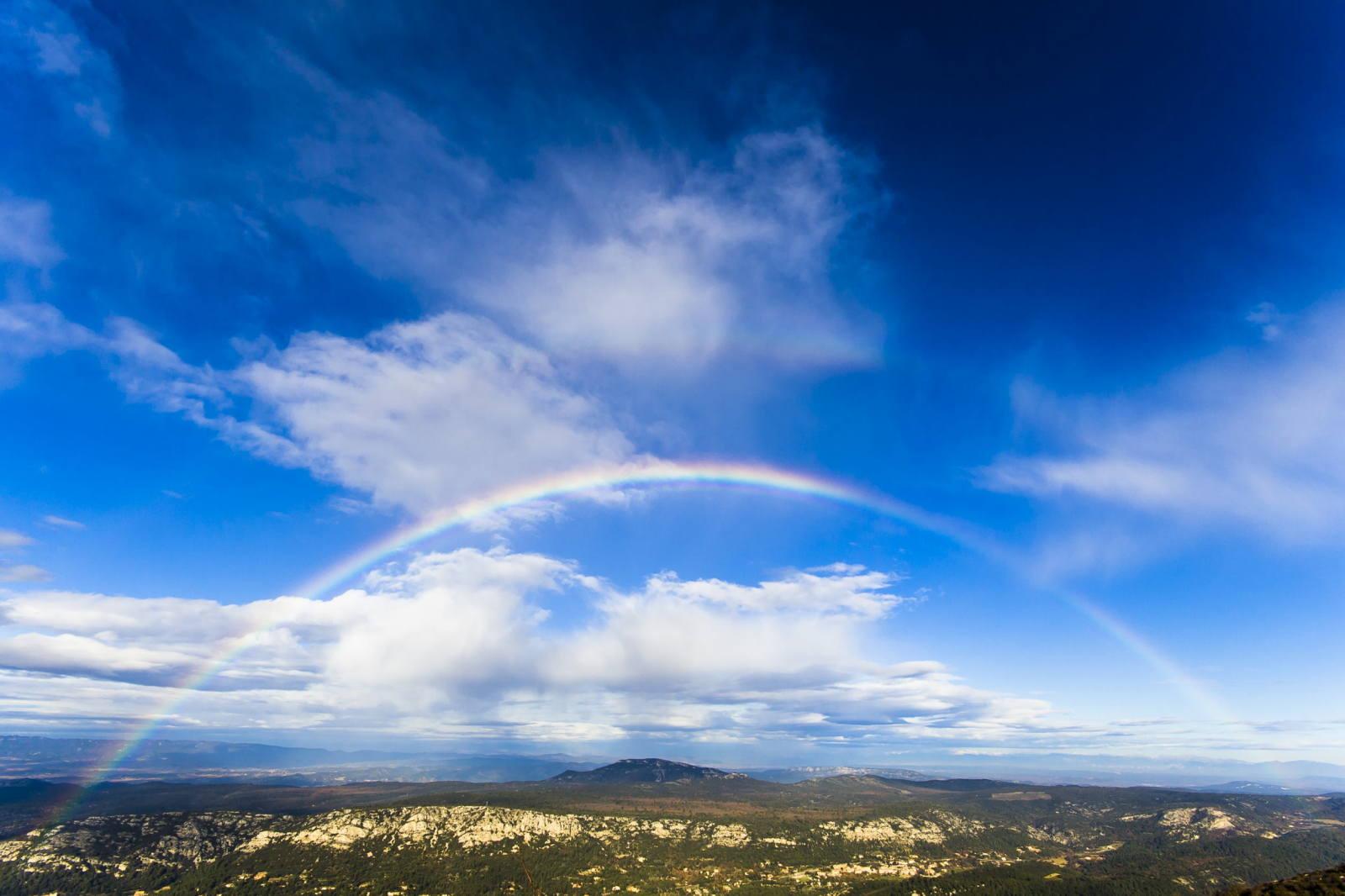 Arc-en-ciel sur le Pays d'Aix - Montagne Sainte-Victoire (Aix-en-Provence, Bouches-du-Rhône)